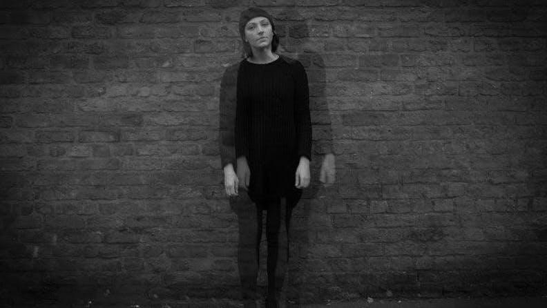 Stephanie Sykes: Tracks To Wake The Dead