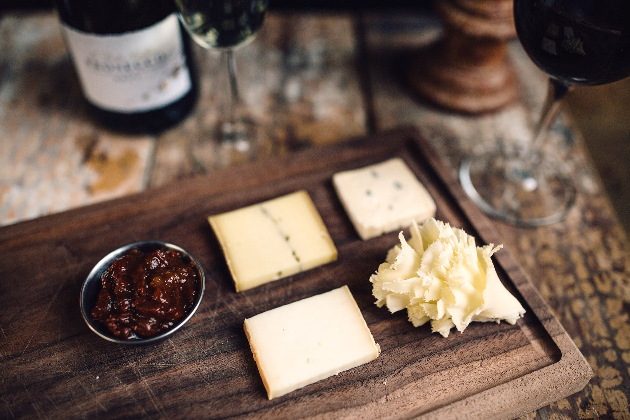 CHEESE & WINE – SEASONAL SHOWCASE
